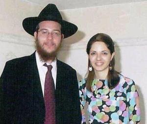 rabbi_gavriel_holtzberg_en_vrouw_rivka1